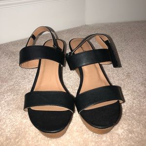 Manmade leather wedge sandals